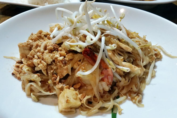 thai number one ashfield pad thai chicken