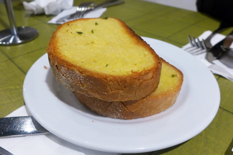 the italian bowl newtown king street sydney garlic bread